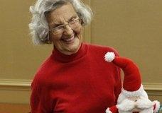 89-летняя американка работает волонтером в больнице